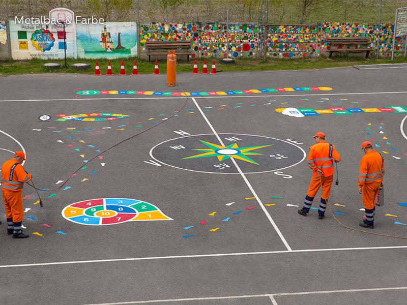 giochi per bambini da esterno; giochi di dinosauri; giochi di animali; giochi matematici all'aperto; parco giochi; giochi di draghi; segnali stradali; cartelli stradali; segnaletica stradale orizzontale termoplastico; piste ciclabili