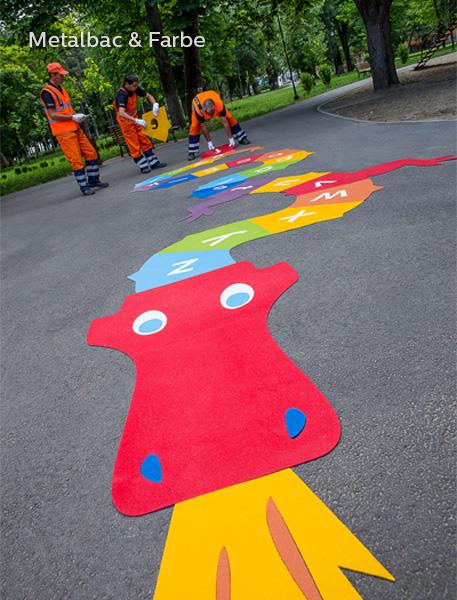giochi per bambini da esterno; giochi di dinosauri; giochi di animali; giochi matematici all'aperto; parco giochi; giochi di draghi; segnali stradali; cartelli stradali; sicurezza stradale; vernice spartitraffico; vernice stradale