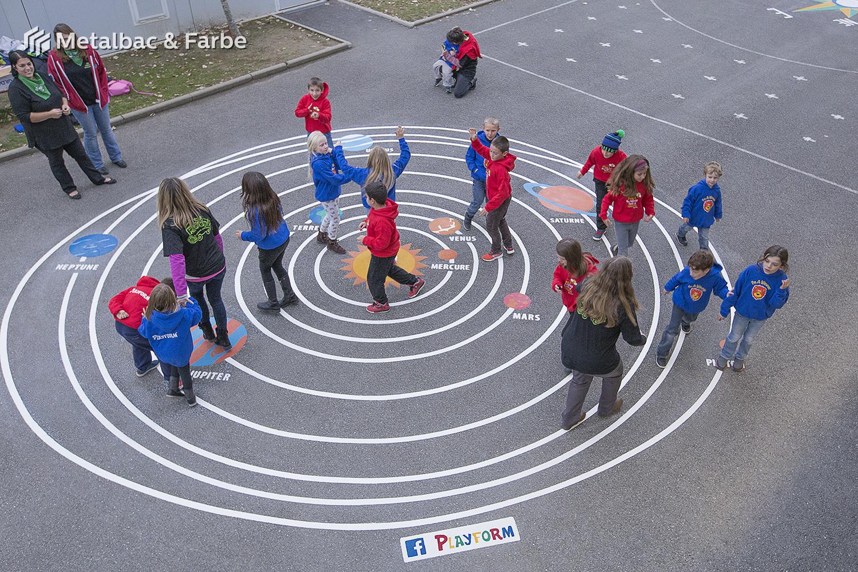 giochi per bambini da esterno; giochi di dinosauri; giochi di animali; giochi matematici all'aperto; parco giochi; giochi di draghi; segnali stradali; cartelli stradali; gioco campana; gioco labirinto; gioco serpente; sistema solare