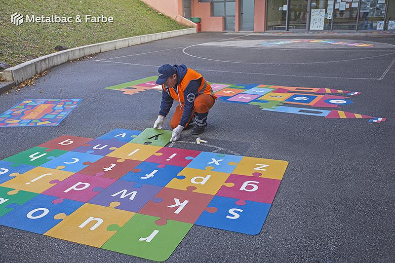 Gry edukacyjne dla dzieci; gry dla dzieci; podwórkowe gry matematyczne; podwórkowe gry logiczne; plac zabaw dla dzieci; podwórkowe gry ruchowe; podwórkowe gry planszowe; gry asfaltowe; podwórkowe gry integracyjne; podwórkowa gra alfabet; gra wąż
