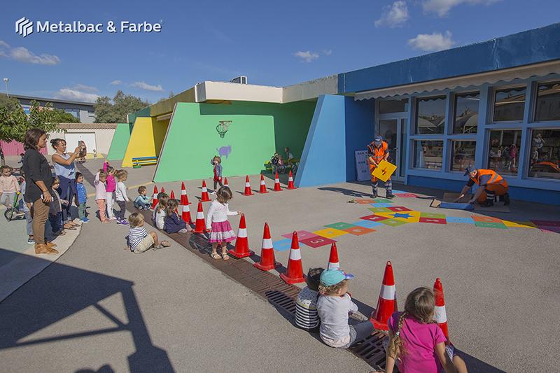 Gry edukacyjne dla dzieci; gry dla dzieci; podwórkowe gry matematyczne; podwórkowe gry logiczne; plac zabaw dla dzieci; podwórkowe gry ruchowe; podwórkowe gry planszowe; gry asfaltowe; gra podwórkowa węże i drabiny; gra podwórkowa smok