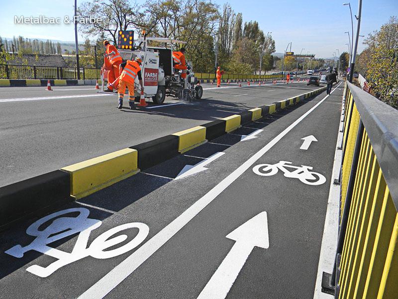 termoznaki; poziome znaki drogowe; oznakowania drogowe; termoplastyczne oznakowanie dróg; ścieżka rowerowa; oznakowanie dróg wewnętrznych; termoplastiki do znakowania dróg; prefabrykowane oznakowania dróg; miejsce parkingowe; logo firmy