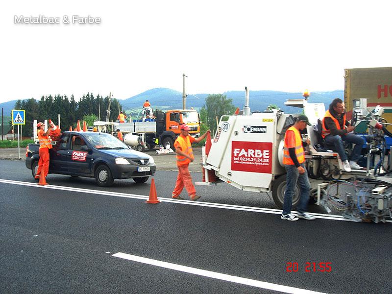 Fahrbahnmarkierung; Straßenmarkierung; Strassenmarkierung; 2K Kaltplastik; Verkehrszeichen; Horizontal Verkehrsschild; Fahrradwege; Zebrastreifen; Straßenschilder; Straßenmarkierungsfarbe; parkplatzmarkierung; 2 komponenten