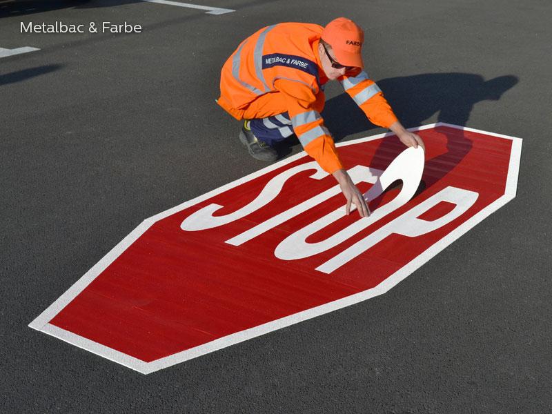 panneaux de signalisation; peinture pour marquage au sol; marquage routier horizontal thermocollant; signalisation routière horizontale; thermocollé préfabriqué; thermoplastique préfabriqué; signalétique au sol; sécurité routière; jeux de ecole