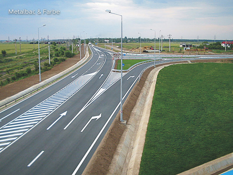 signalisation routière horizontale; signalétique au sol; peinture pour marquage au sol; marquage routier horizontal; peinture solvantée; sécurité routière; trafic routier; peinture routière; panneau de signalisation routière horizontale